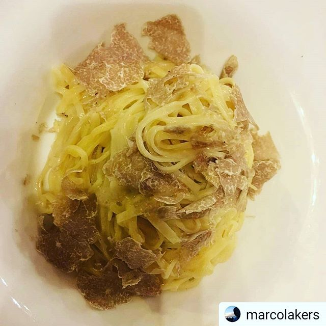 #Repost @marcolakers • • • • • Le mie #coccole oggi #truffle #tajarin @acciuganelbosco #restaurant #dogliani #langhe #piedmont #ombelicodelmondo #food #foodlover #langhe #lacciuganelbosco #Dogliani